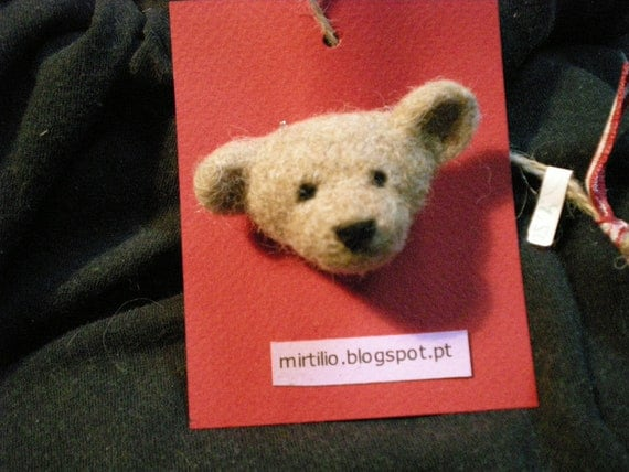 Children's Teddy bear brooch, tiny, birthday party favor, tiny gift for kids, teddy pin, best friend, scarf accessoir