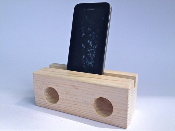 lautsprecher aus holz f r iphone. Black Bedroom Furniture Sets. Home Design Ideas