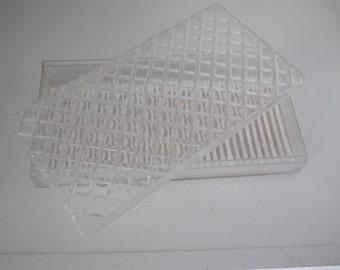 Q-Tip plastic box