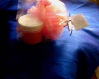 Lavender Exfoilating Creme  2oz./ Bufff Puff Set