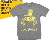 Say Cheese - Hai Cheezu - Japanese Robot Photographer - Mens Slate T-shirt