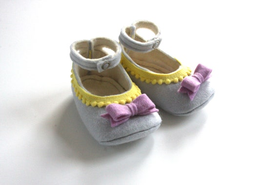 Choose Your Size - Grey, Yellow, Purple Baby Booties- Baby Girls Soft Soled Shoes - Infant House Shoes - Wool Felt Baby Girls Booties