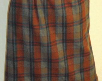 Vintage Pendleton  Red Plaid Pencil Skirt 100% Virgin Wool Size Medium