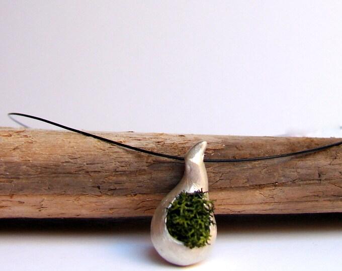 Green Moss Necklace, Botanical Jewelry, Rustic Woodland Wedding, Nature Jewelry