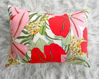 big flowers in pinks and reds pillow cover 12x16