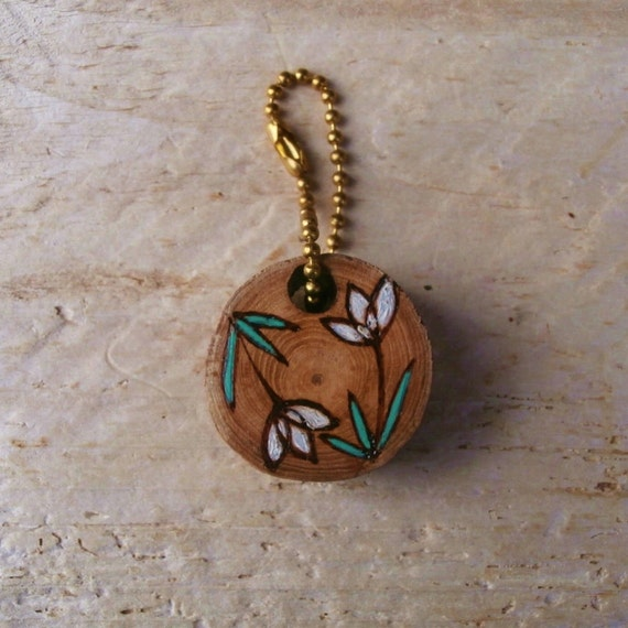 Floral Wood Keychain - UK Gifts - International Shipping