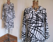 1960s SUPER MOD Black and White Squiggle Dress - vintage size 10, medium