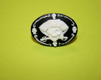 Medium Black Pirate Skull Cameo Ring
