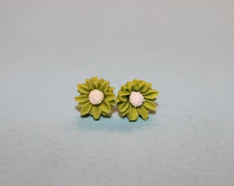 Tiny Green Daisy Earrings