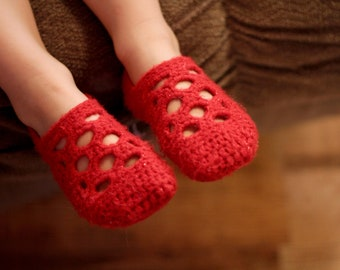 Instant Download - Crochet Pattern - Lola Slippers (Sizes Youth 11 - Woman 12)