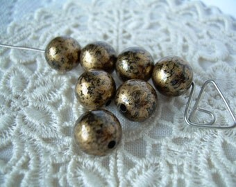 7 Luxe Gold and Black Vintage Lucite Beads 9mm Rounds