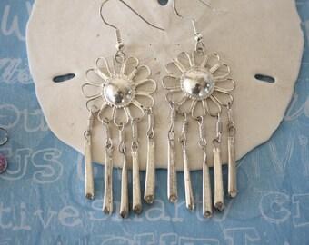 Flower Earrings, Vintage Earrings, Silver Dangle Earrings, Silver Earrings