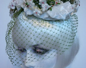 1950s Fascinator Hat White Floral Olive Birdcage Veil Sally Victor NOS w orig tag Retro Wedding