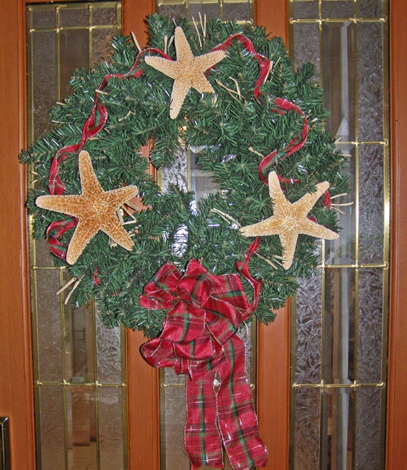 BEACH DECOR Christmas wreath, country plaid, starfish, red and green