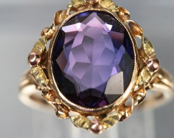 Vintage 10k Yellow Gold and Purple Sapphire Ring