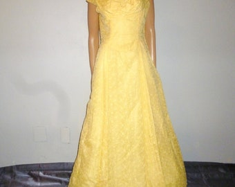 "Hustle and BUSTLE - Vintage 40's - Embroidered - Yellow - Tulle over Taffeta - Portrait Collar - BUSTLE - Maxi - Dress - 40"" bust"