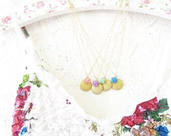 Gold Bridesmaid Lockets - Bridal Locket Set - Round Locket Necklace - Gold Flower Locket - Golden Round Locket - Bridesmaid Gift