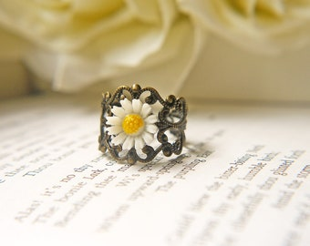 White Daisy Flower Ring Antique Brass Filigree Vintage Style