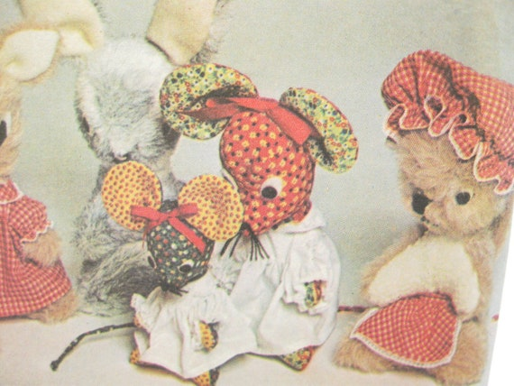 McCalls 5369: Vintage Forest Animals Sewing Pattern Stuffed Wolf Squirrel Mouse Skunk Rabbit