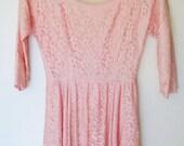 Vintage 1950s Jonathan Logan pale pink lace party dress (xs/sm)