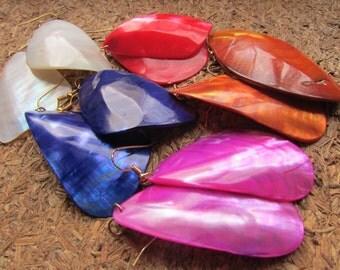 1980's Colorful Shell earrings - Organic Earrings - Eco Friendly Jewelry - Festival Wear - Bohemian Boho Earrings - Muscle Shell Earrings