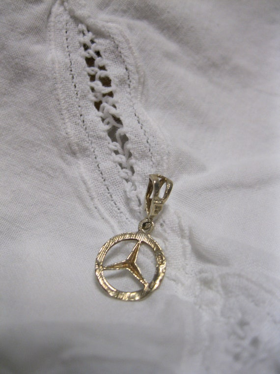 Rare vintage mercedes benz emblem sterling silver pendant for Mercedes benz earrings
