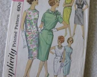Simplicity Women'sOne-Piece Dress Pattern 4382