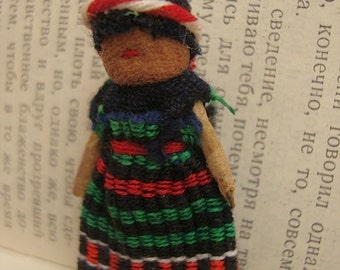Guatemalan Worry Doll Brooch Pin - Trouble Doll Badge - Green Dress