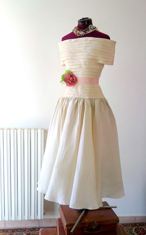 Adorable Vintage Wedding Dress 1950s Bride Dress Bridal Prom dress Small