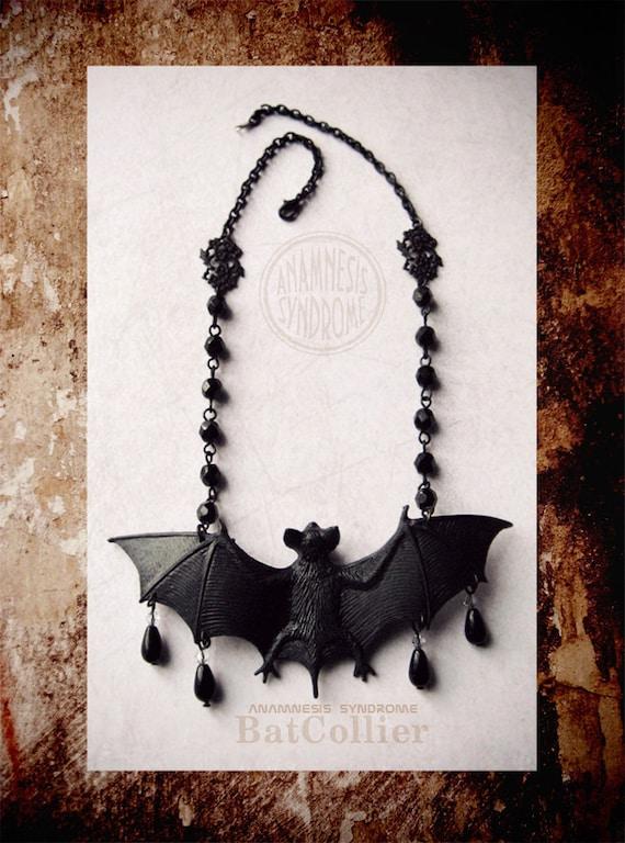 Bat-Collier, le collier chauve-souris