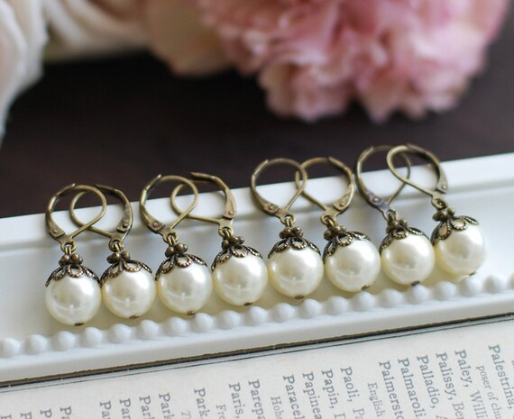 Special Price. Set of Four (4) Swarovski Cream Ivory Pearl Earrings. Lever Back Vintage Themed Wedding Earrings. Bridesmaids Gift