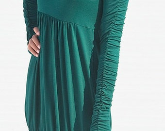 long tunic with drapery on the sleeves