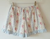 Cottage Chic Ruffle Shorts. Bloomers. Womens Shorts. Size Medium. Blue Stripes. Roses. Floral. europeanstreetteam