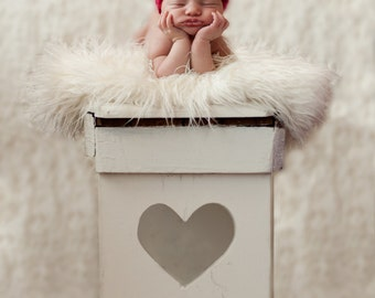 Valentine's Day Hat Crochet Pattern - Baby Valentine's Day Hat Pattern - Baby Crochet Pattern - Heart Hat Pattern - Newborn Photo Prop