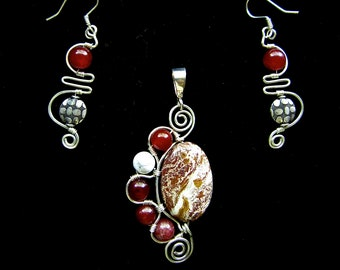 Handmade Agate and Carnelian Stone Pendant