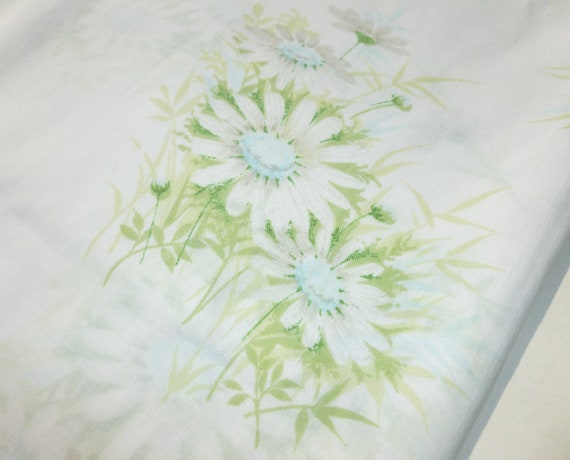 Daisies Bed Sheet in Blue, Gray and Green Flowers Floral Print Full Double Size Flat by Springmaid