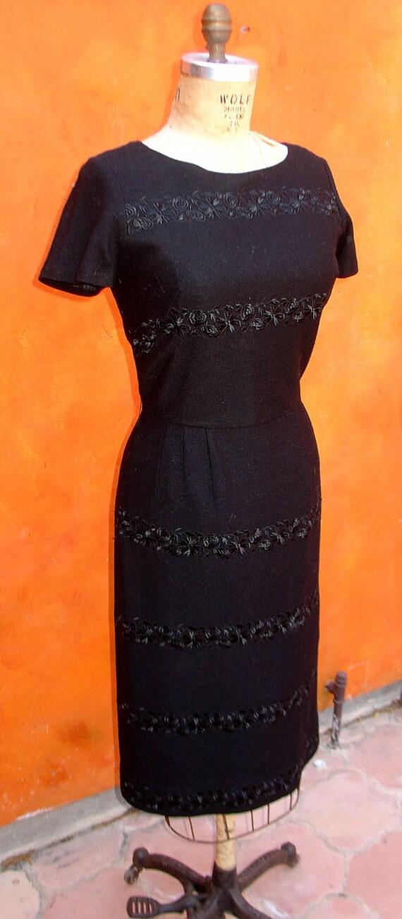 Sophisticated Vintage 1950s 1960s Black on Black Embroidered Wiggle DRESS Elinor Porter