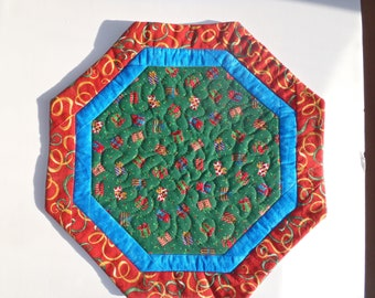 Quilted Christmas Table Topper (medium size)