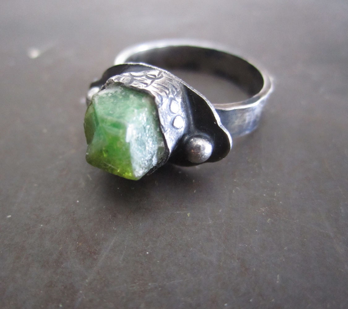 emerald ring sterling silver rustic
