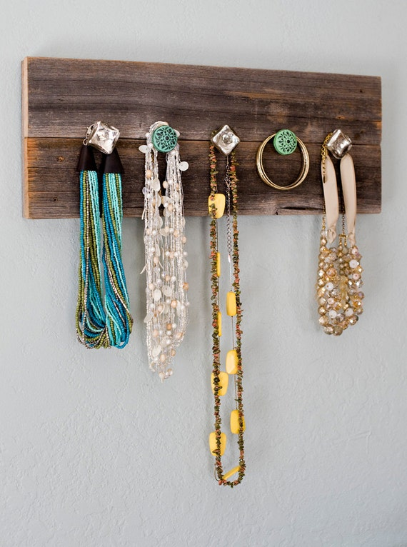 barn wood necklace hanger jewelry organize knobs