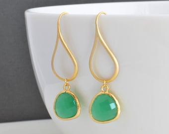 30% OFF, Modern teardrop jade green earrings, Gold earrings, Wedding earrings, Bridal earrings,Glass earrings,Bead earrings,Cocktail jewelry