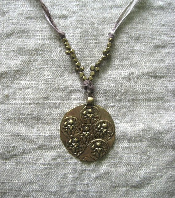 Amara Necklace / Plum