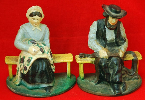 Vintage AMISH BOOKENDS Ca 1920S/'30s In Original Paint, Very Collectible, Amish Couple, Cast Iron, Excellent and Useable Condition