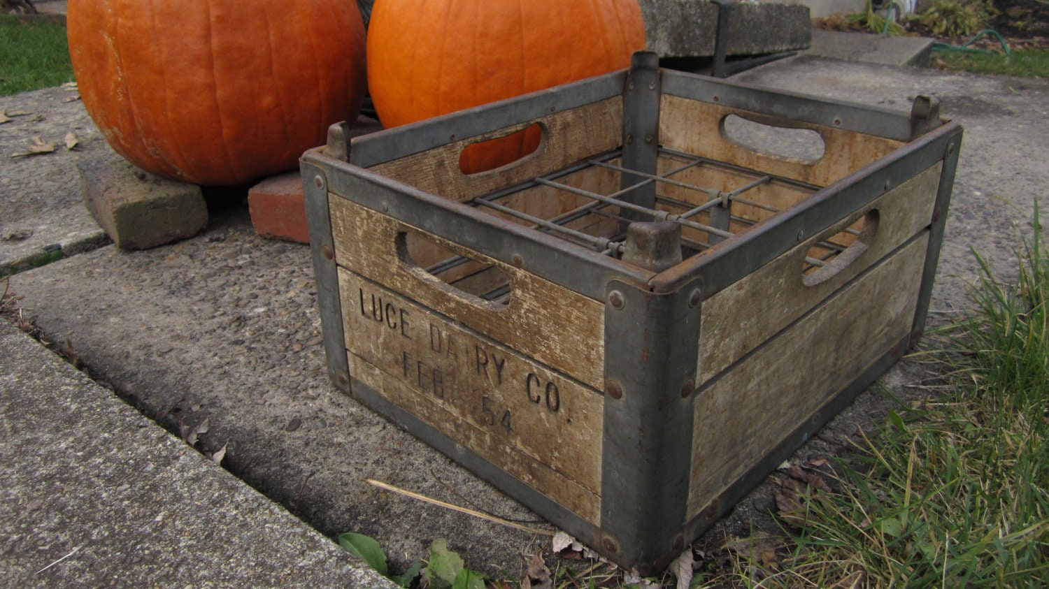Antique wood milk crate wooden box metal cage primitive crate for Uses for old wooden crates