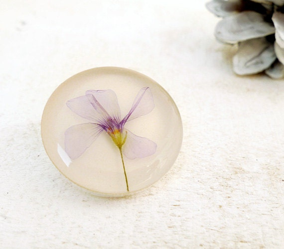 Pressed Purple Flower Brooch-Violet in Epoxy Resin-botanical art jewelry