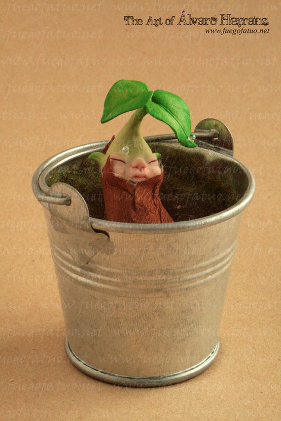 RESERVED for idaanine. Do NOT BUY, please - Dryad sproutling in tin flowerpot  -  Ooak baby fairy faerie seed leaf