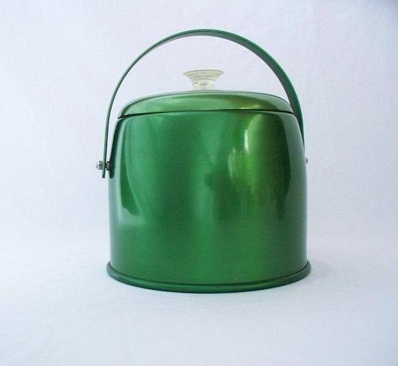 TREASURY Item - Mid Century Musical Kromex Aluminum Ice Bucket