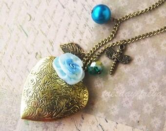 Ornate flower - a vintage heart locket necklace