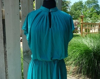 SALE Vintage Sexy Teal Disco Dress, comes with belt Medium to Large Mid Length