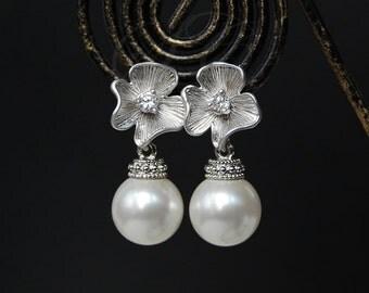 Pearl Earrings Wedding Jewelry Bridal Cubic Zirconia Flower Swarovski Pearls Sparkly Elegant Vintage Style Classic K049